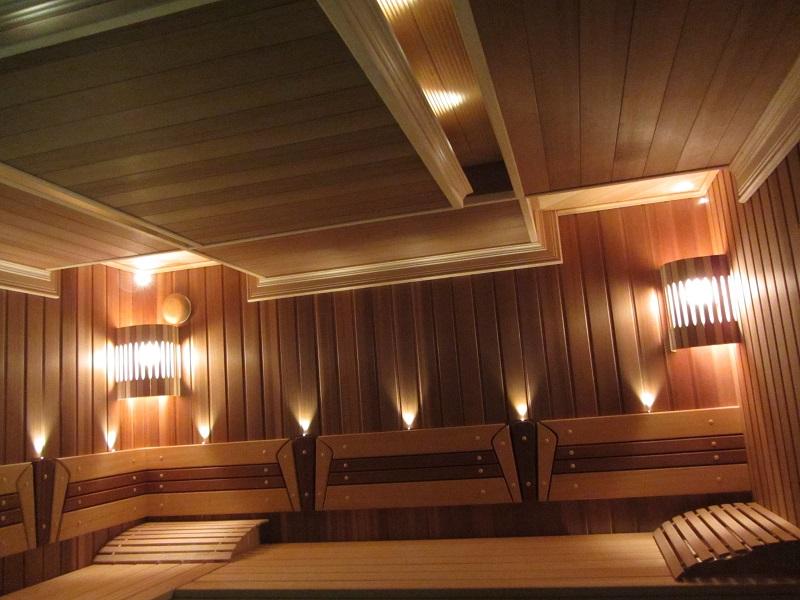 Парилка из вагонки канадский кедр. Сложный потолок сауны. Оптоволоконное освещение. Полки - комбинация абаша и канадского кедра.